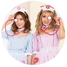 お揃いナースコスプレを着るゆんころと益田杏奈