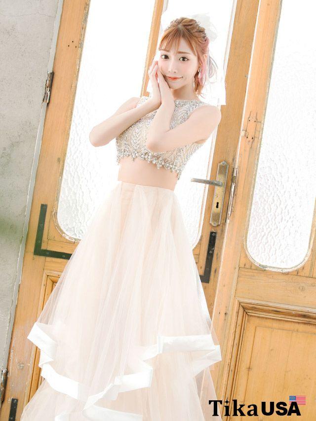 明日花キララが着る新作バースデードレス